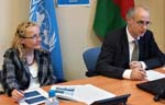Vi Chief, Vlasta Macku (left) and Jörg Mayer, of UNCTAD's Division on Globalization and Development Strategies.