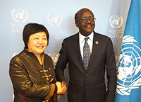 SUFE president, Fan Liming (left), and UNCTAD Secretary-General, Dr. Mukhisa Kituyi